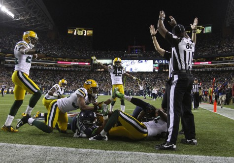 Ridiculous blown call costs Packers game, uproar over refs ensues