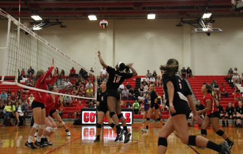 Q&A: 3 Freshman shine on varsity volleyball