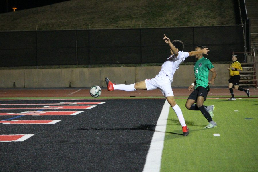 Coppell+High+School+junior+forwards+Francisco+Redondo+tries+to+control+a+cross+during+the+first+half+of+Tuesday+night%E2%80%99s+match+at+Buddy+Echols+Field+against+the+Richardson+Berkner+High+School+Rams.+The+Cowboys+defeated+the+Rams+4-0+with+goals+from+senior+captain+and+forward+Nick+Taylor%2C+junior+midfielder+Bennett+Hunter+and+senior+captain+and+midfielder+Bishesh+Manandhar.+