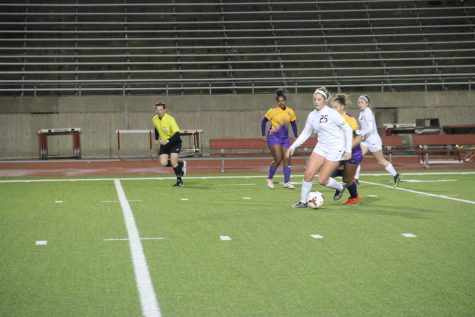 Cowgirls struggle to overcome elongated halftime, Sachse defense in heartbreaker