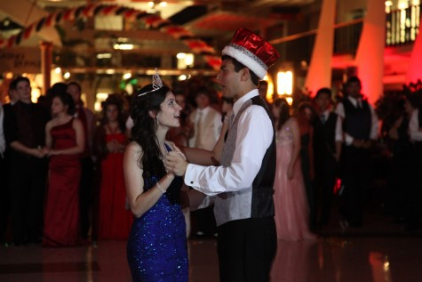 "Photo Gallery: Prom 2012 ""Casino Royale"""
