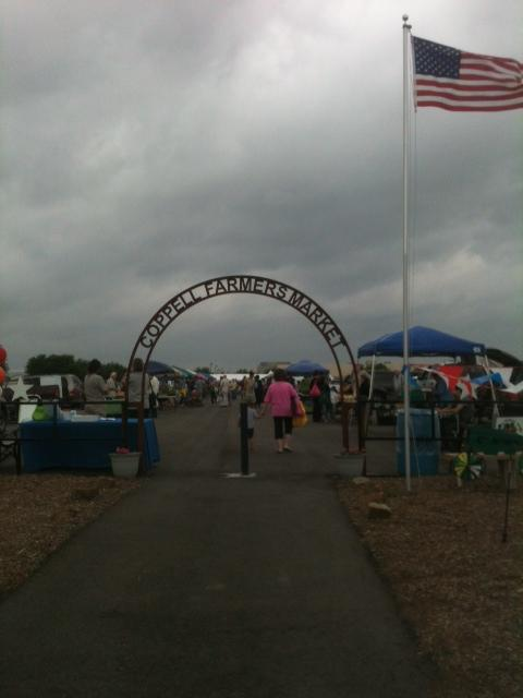 People+attend+the+Coppell+Farmers+Market+to+purchase+locally+grown+goods+and+produce.