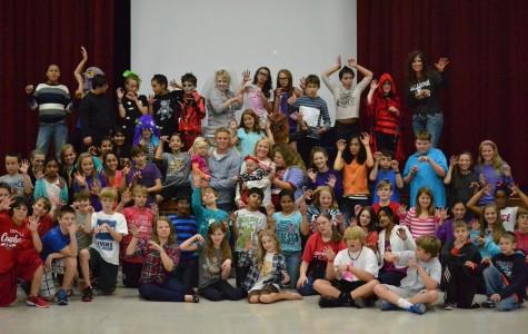 """""""Thriller"""" flash mob raises money for Rakestraw family"""