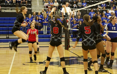 Cowgirls pounce on Panthers, advance in playoffs