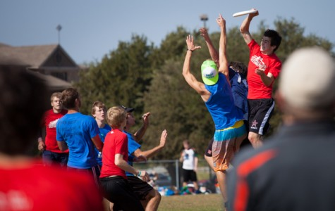 Ultimate Frisbee spins into CHS