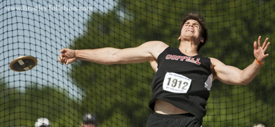 Colin Echols at the 2015 UIL 6A Regional Track and Field Championships. Photo by Brad Tollefson. www.bradleytollefson.com