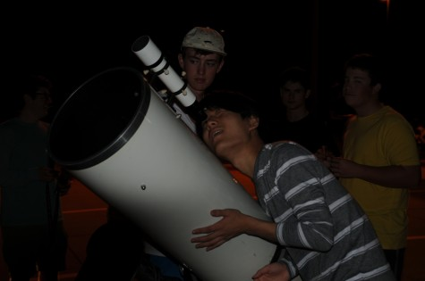 Anatomy, Earth/Space science classes leave students starry-eyed with skywatching party