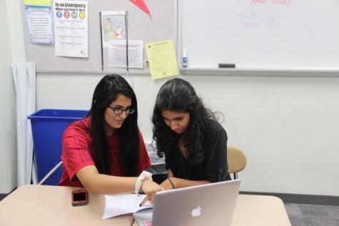 Hemani and Shams make quarterfinals in first debate tournament of school year