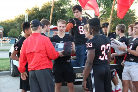 CHS football gives it their all on, off field with community service project