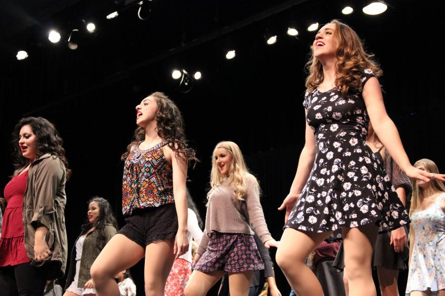 The+Coppell+High+School+Respira+Choir+sings++%E2%80%9CStyle%E2%80%9D+by+Taylor+Swift+during+Thursday+night%E2%80%99s+performance+in+the+CHS+auditorium.+During+the+intermission+of+the+show%2C+the+audience+was+welcomed+to+the+cafeteria+to+enjoy+desserts.+Photo+by+Amanda+Hair.