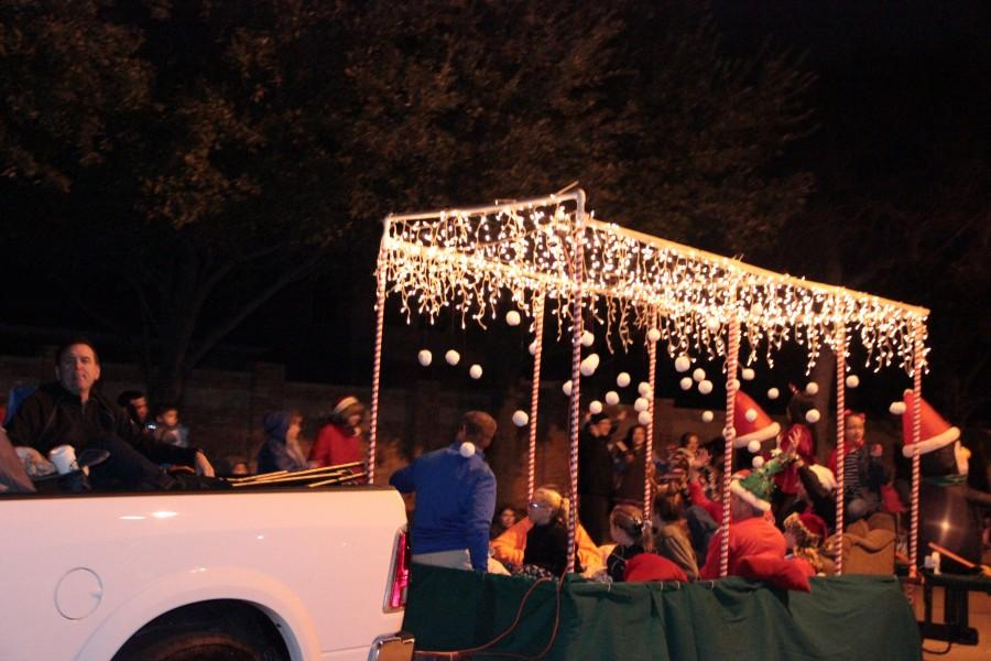 Classic holiday stories to light up Coppell at annual parade
