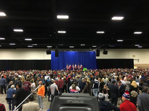 The crowd gathered to see Trump at approximately 10 a.m. The attendance would double from this in the next two hours leading up to the event, with at least 8,000 reportedly in attendance. Photo by Nicolas Henderson.