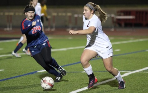Teffeteller, Houchin lead Cowgirls to a landslide win over Richland