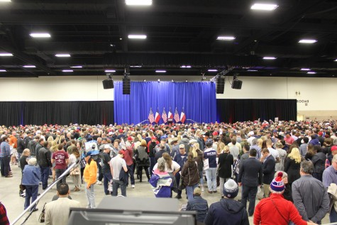 The crowd awaiting the Donald Trump rally in Fort Worth. Photo by Nicolas Henderson.