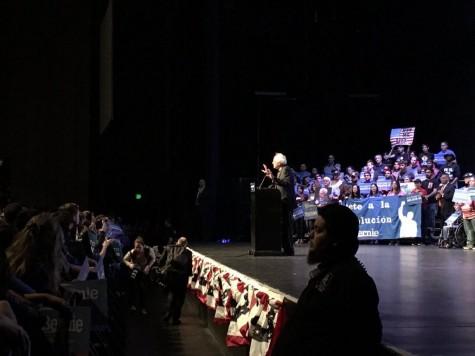 Bernie Sanders speaks to a crowd of over 7,000 in Grand Prairie. Photo by Nicolas Henderson.