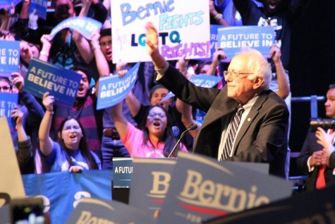 Sanders draws large audience to small venue, anticipates Tuesday election