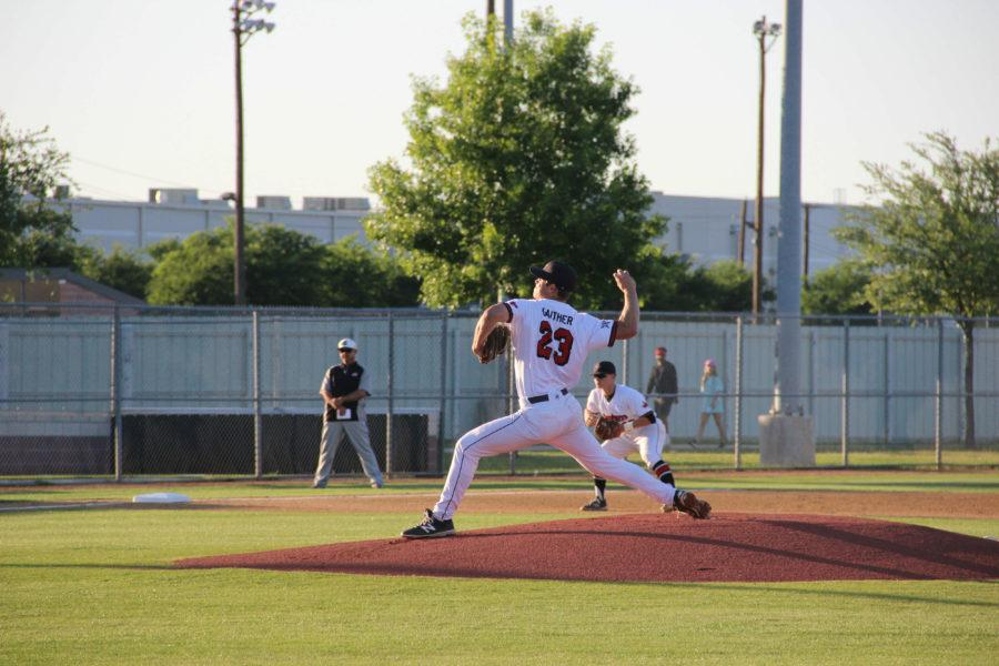 Senior+pitcher+Ray+Gathier+delivers+a+pitch+in+the+4th+inning.+Gathier+had+11+strikeouts+on+the+night.+Photo+by+Ayoung+Jo.