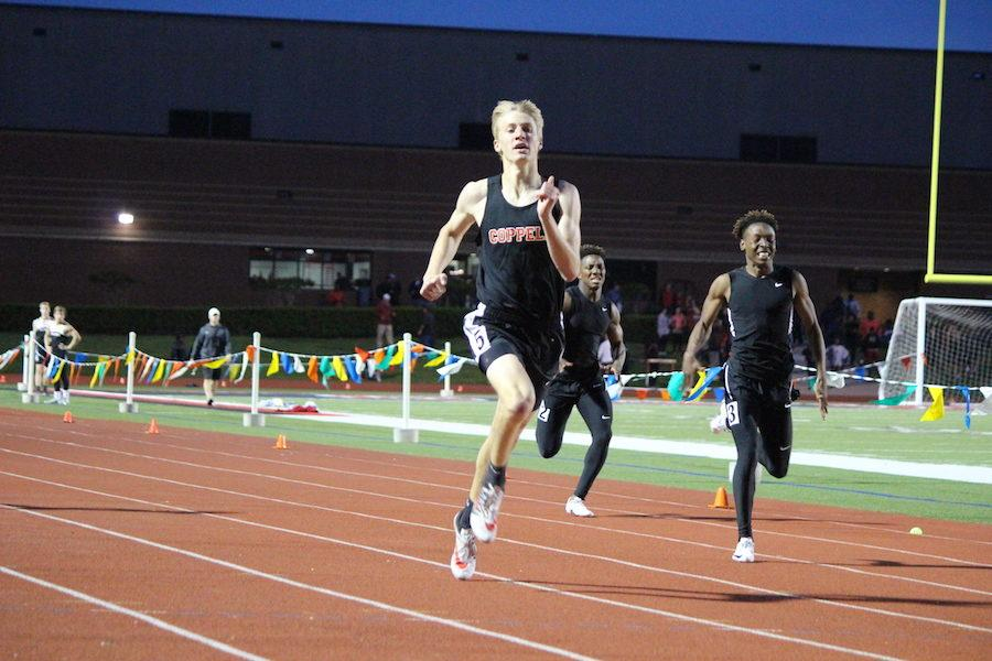 Coppell+sweeps+district+track+meet+titles%2C+capping+it+off+with+a+thrilling+finish.