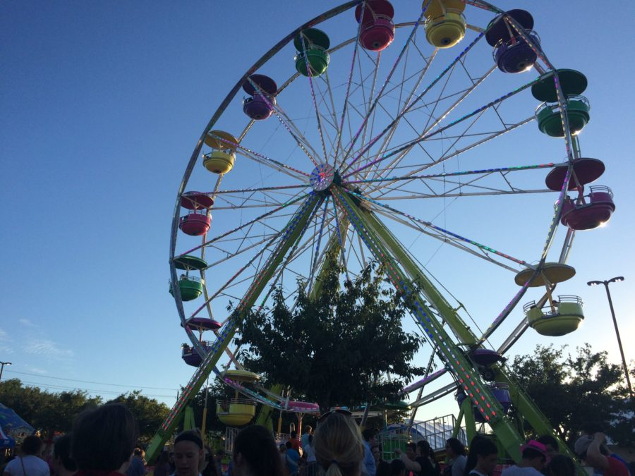 The annual St Ann's carnival took place this past weekend, September 9 through 11, in the St Ann's parking lot off Samuel Road. This year they obtained a new ferris wheel. Photo by Hannah Tucker.