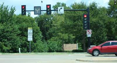 City of Coppell adds new traffic light at CHS