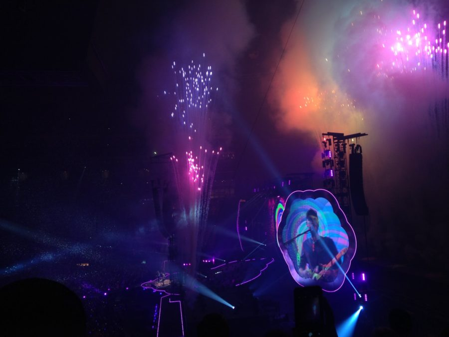 Coldplay+lights+up+stadium+on+its+A+Head+Full+of+Dreams+tour