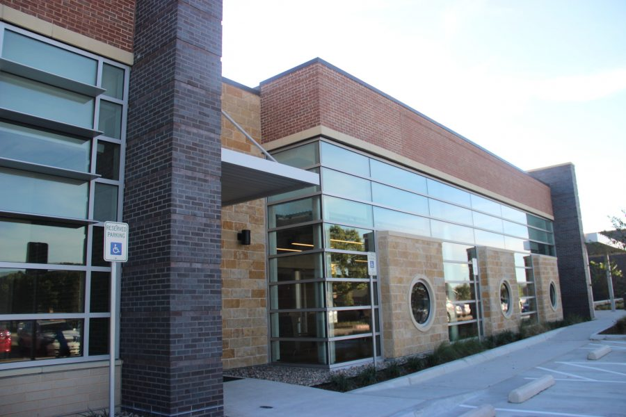 The William T. Cozby Public Library will hold an opening ceremony on Saturday, Nov. 19. The celebration will begin with a ribbon cutting at 9 am, and continue on throughout the whole day.