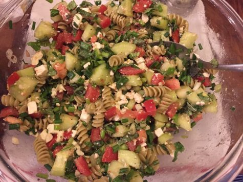 Vegetable pasta salad to satisfy your after school cravings (with video)