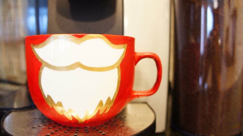 Take+a+sip+of+hot+cocoa+with+this+mug+as+it+will+magically+uplift+your+christmas+spirit.%0A