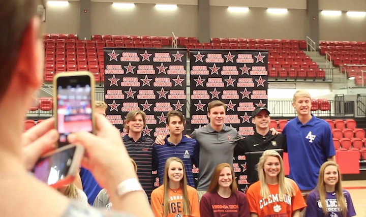 Colleges+accept+student+athletes+on+signing+day
