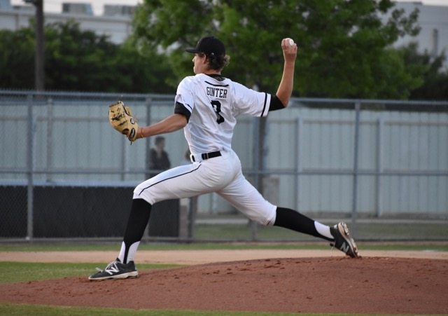 Coppell+High+School+junior+pitcher+Rye+Gunter+pitches+during+the+first+inning+of+Friday+night%E2%80%99s+game+at+the+Coppell+ISD+Baseball%2FSoftball+Complex.+Gunter+threw+a+no-hitter%2C+striking+out+11+and+walking+2+leading+to+an+11-1+win+for+Coppell.