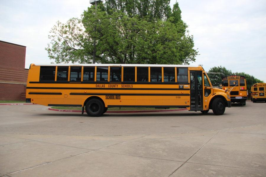 The+Big+Bus+Switch%3A+What+it+means+for+the+students+who+ride+the+buses%2C+and+for+those+who+drive+them