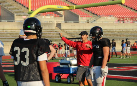 Photo gallery: Football practices for big game against Allen