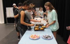 Drama Club embodies accepting atmosphere in annual Dinner and a Movie Night