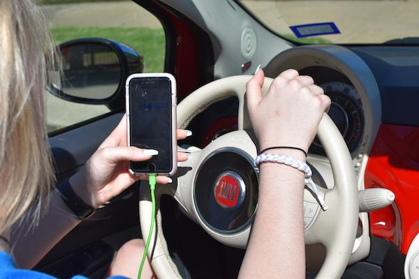 Texting while driving ban takes effect today (with video)