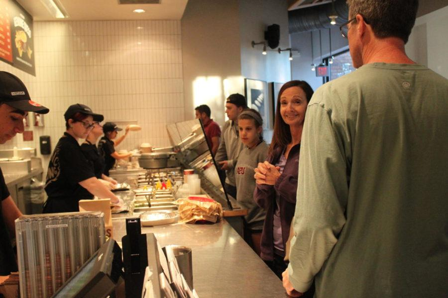 As dinner time rolls around, many families and friends come to Chipotle to get some food and give back to the girls. On Tuesday night, the girls soccer team held a Chipotle Gives Back Night at Chipotle in Coppell from 5-9 p.m.