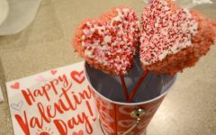 How to make Valentine's day Rice Krispie lollipops