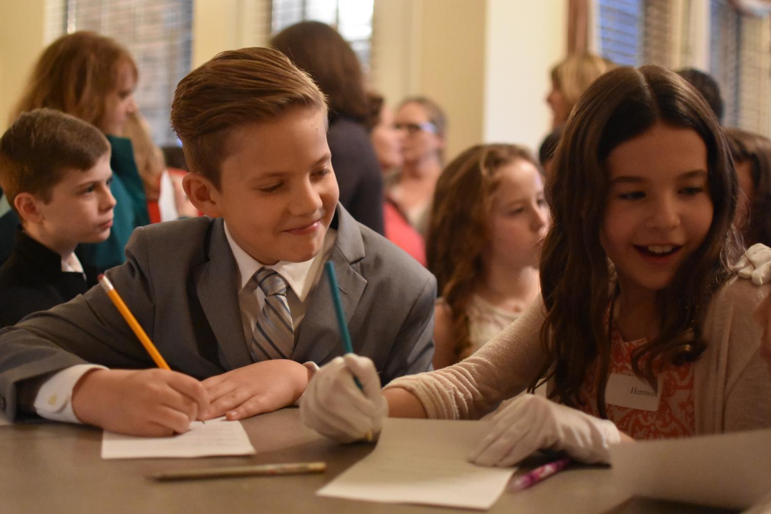 Lakeside+Elementary+students+get+together+on+Feb.+23+before+Friday+night+Cotillion+to+have+snacks+and+interact+with+each+other+along+with+parents.+Cotillion+is+a+class%2C+typically+for+elementary+or+middle+school+kids%2C+in+which+they+learn+basic+table+manners%2C+social+manners+and+formal+dances.