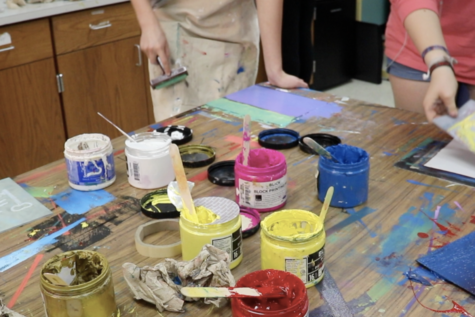 Video: A day in the life of CHS art classes