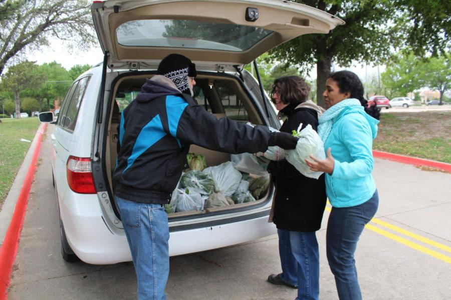 Volunteers from the Coppell Community Garden load up their cars with vegetables to donate produce to Metrocrest Services food pantry. Every Saturday morning one of the many volunteers takes the produce that was produced that week over to those in need.