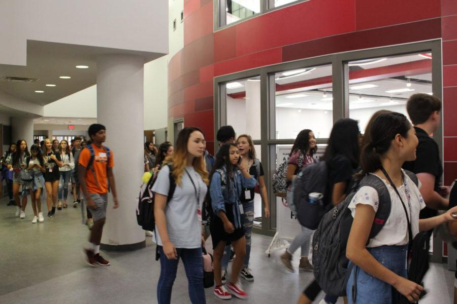 CHS9+freshmen+make+their+way+through+the+hallways+after+being+released+from+fourth+period+on+the+first+day+of+school+at+the+newly+renovated+campus.+By+housing+nearly+900+students+and+80+faculty+members%2C+CHS9+hopes+to+avoid+the+issue+of+overcrowding+seen+at+CHS+and+become+a+more+tight-knit+community+within+the+school.%0A