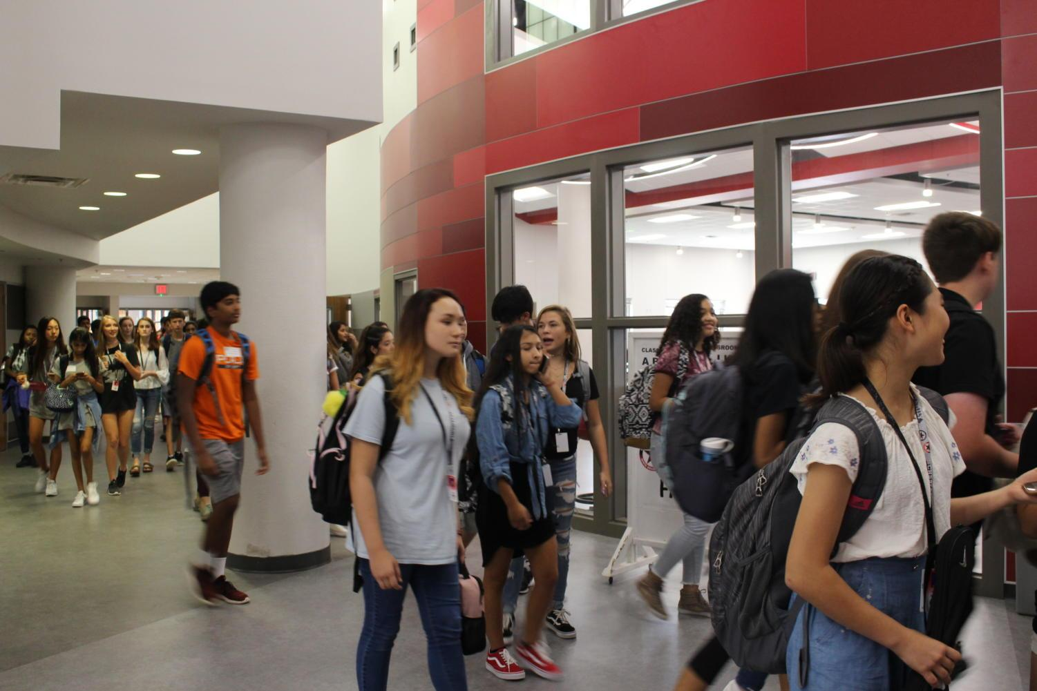 CHS9 freshmen make their way through the hallways after being released from fourth period on the first day of school at the newly renovated campus. By housing nearly 900 students and 80 faculty members, CHS9 hopes to avoid the issue of overcrowding seen at CHS and become a more tight-knit community within the school.
