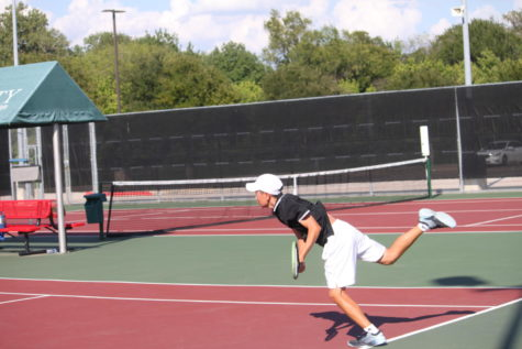 Tennis wins important match to inch towards district title