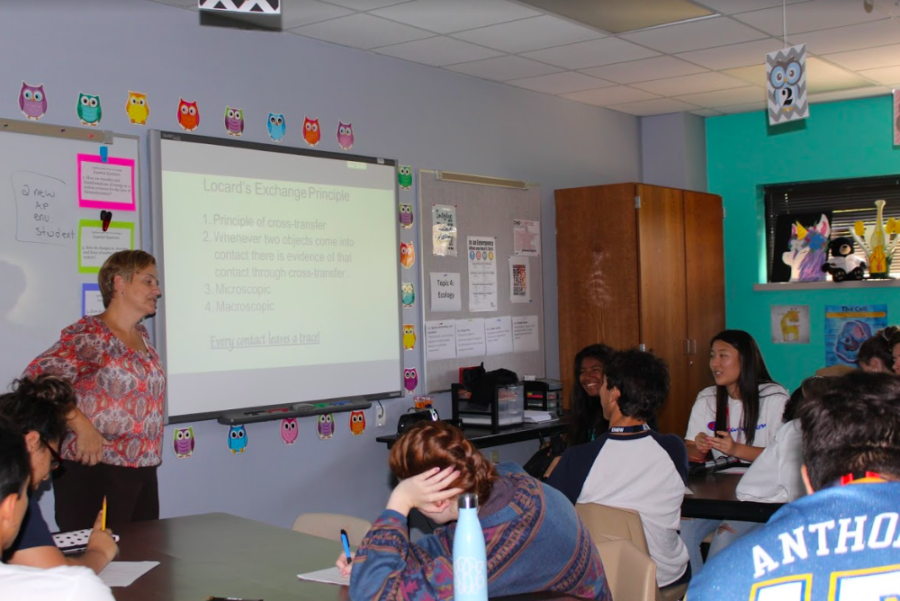 Coppell High School forensics teacher Rebecca Wheatley teaches safety procedures in her seventh period class. Wheatley is also teaching IB Biology I and II and AP Environmental Science.