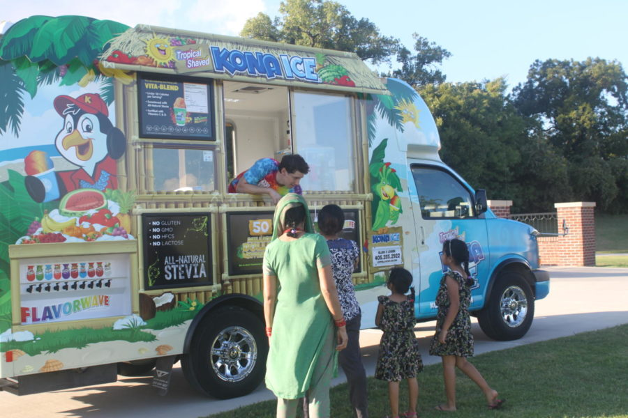 Kona Ice is a popular shaved ice joint for kids and teens to enjoy snow cones and ice cream. Kona Ice was one of the 13 food trucks yesterday at the annual Food Truck Frenzy held at Andy Brown Easy from 5-9 p.m.