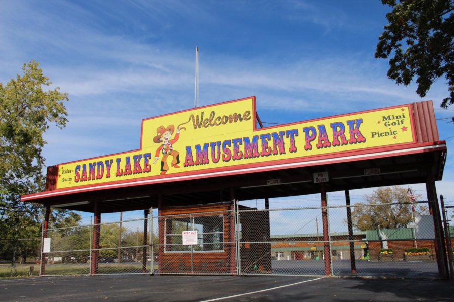 Sandy+Lake+Amusement+Park%2C+the+park+permanently+shut+down+on+Oct.+17%2C+has+been+special+place+for+families+to+visit+for+almost+five+decades.+Most+recently%2C+the+park+was+known+to+many+in+community+for+hosting+company+picnics+and+field+trips.