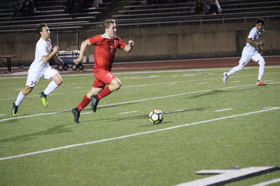 Coppell+High+School+senior+Adam+Marez+plays+as+a+forward+on+Jan.+18th+at+Buddy+Echols+Field.+Coppell+defeated+Keller+Timber+Creek+by+5-0.+