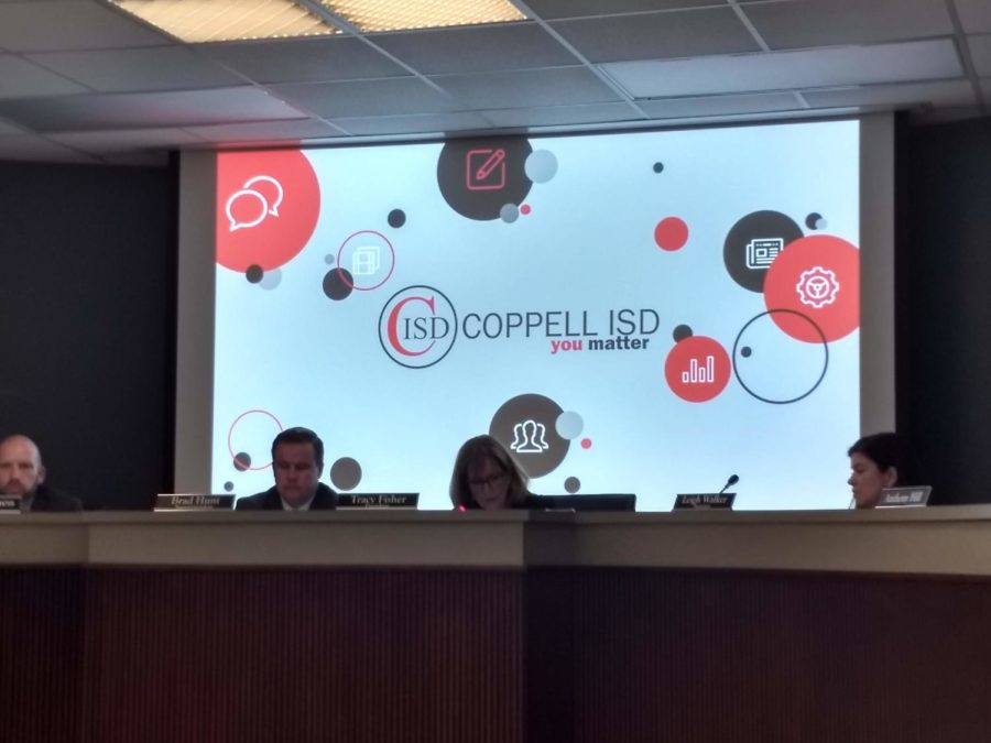 Coppell+ISD+Board+of+Trustees+President+Tracy+Fisher+and+Superintendent+Brad+Hunt+discuss+activities+in+Coppell+ISD+elementary+and+middle+schools+at+the+monthly+CISD+Board+Meeting+on+Monday.+The+Board+voted+to+adopt+plans+A3+and+B3+by+a+6-1+vote.+