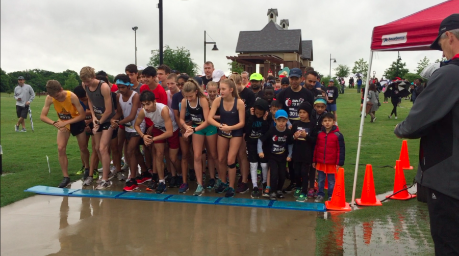 Two+hundred+fifteen+runners+completed+the+annual+5K+Run+to+Fund+on+Saturday+at+Andy+Brown+East+after+a+rain+delay.+The+run+is+a+fundraiser+for+Coppell+ISD%E2%80%99s+physical+education+department.