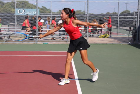 Coppell tennis extends district record with win over Lewisville
