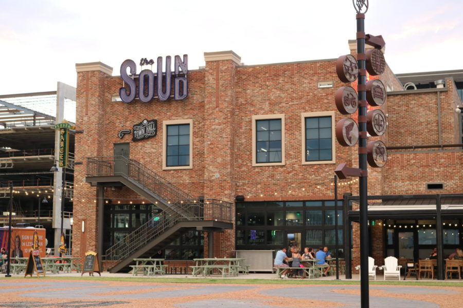 The Sound, an outdoor event space that houses concerts movies and trivia nights, is home to many new restaurants for Coppell and Dallas locals. Students of Coppell High  School gather on Aug. 24 to experience the entertainment offered by The Sound.
